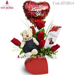 Modelo Shining Heart - Rosas Artificiales + globo y chocolates
