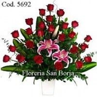 Modelo Romance 24 Rosas con lilium