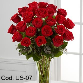 Flower arrangement with 24 roses