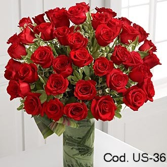 Flower arrangement with 36 roses