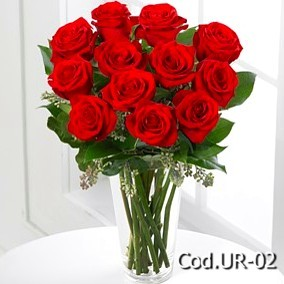 Arrangement with 12 roses in a vase