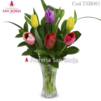 Arrangement with 6 Tulips in glass vase
