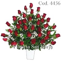 36 roses in a ceramic vase to Arequipa, long stem premium roses to Arequipa
