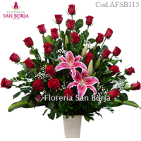 flowers to Peru, big flower arrangement with 24 long stem premium roses for deliveries to Peru, romantic roses