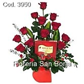 Roses to Peru, flower arrangement with 12 roses to Lima, chocolate bombons